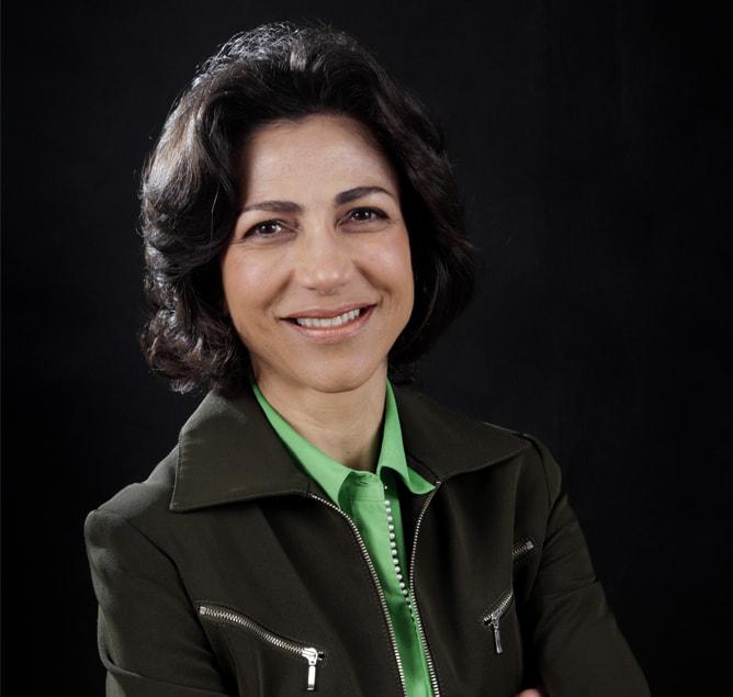 dra. Claudia Sathler